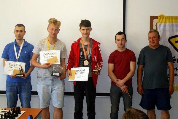 Najlepší na turnaji. Ján Juranko celkom vpravo.