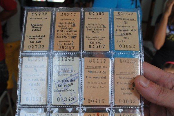 Najstarší lístok je z roku 1927.