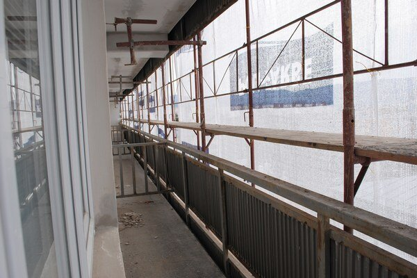 Na balkóny žiaci nesmú.