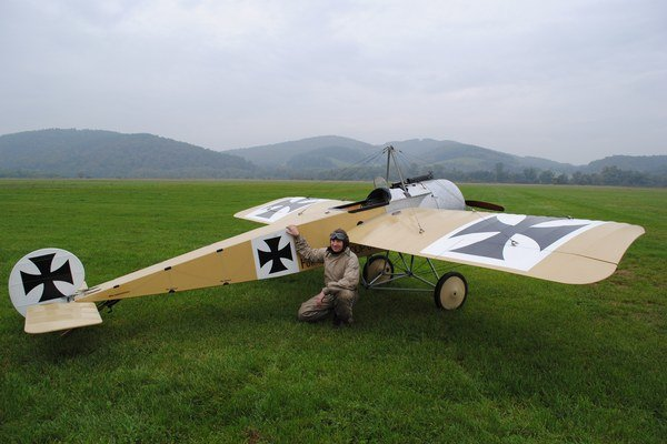 Nemecká stíhačka bola v roku 1915 najmodernejším lietajúcim strojom.