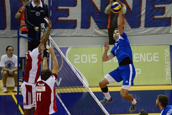 K výhram Humenného prispel aj Peter Mlynarčík (v modrom).