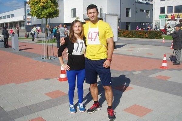 Stanislav Jún s nádejnou atlétkou Majkou Chomaničovou.