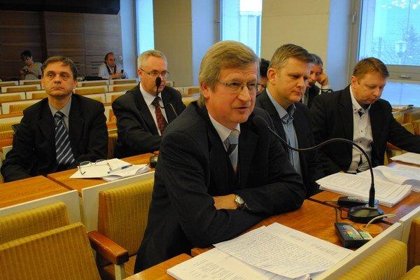 Ján Čop má k bezplatnej práci v komisiách má výhrady.