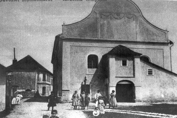 Stará synagóga. Postavili ju v 18. storočí.