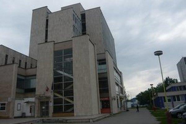 Kauzu rozhoduje Okresný súd v Humennom.