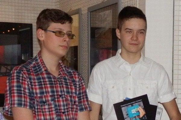 Peter Polanský (vľavo) a Boris Fecenko voľný čas trávia fotografovaním.