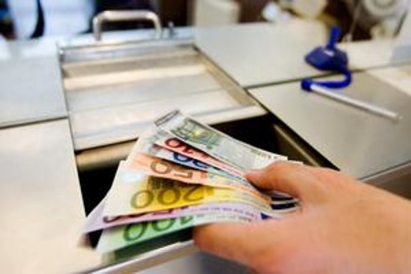 Podľa spoločnosti MasterCard 72 percent domácností hodnotí finančnú situáciu horšie alebo rovnako ako rok predtým.