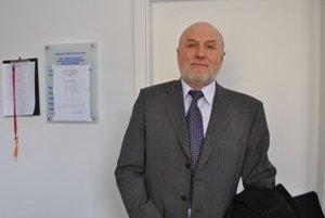 Podľa Júliusa Zbyňovského si obe lekárky vymenili zdravotnú dokumentáciu bez problémov.