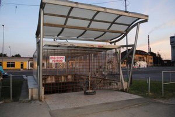 Podchod je zatvorený. Radnica dôvodí havarijným stavom.