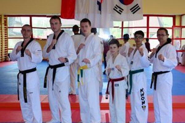 Black Tiger Snina. Sninskí taekwondisti sa pripravujú na šampionát.