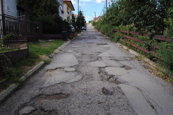 Tankodróm. Takto vyzerá cesta na Majakovského ulici.
