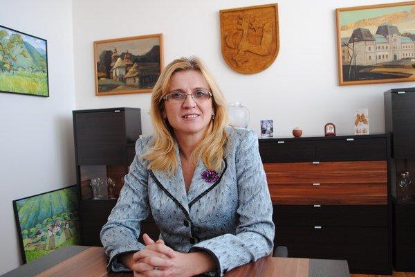 J. Vaľová zdokladovala, že ako poslankyňa nepodnikala.