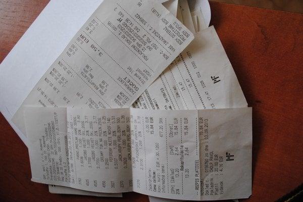 Porovnávané doklady z elektronickej pokladnice mali iný typ písma a ďalšie znaky.