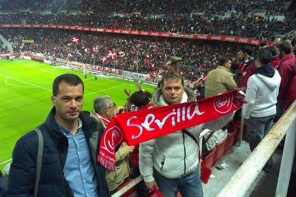 Bratia v sevillskom derby. Štefan (vľavo) a Marcel Vasilenkovci.