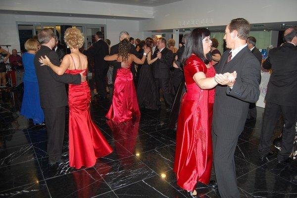 Sninčania sa na plese bavili.