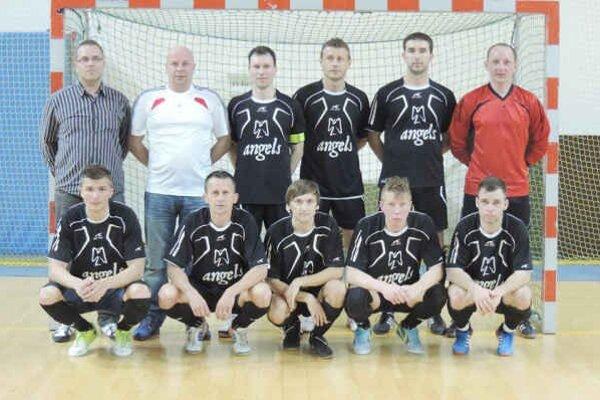 Angels Humenné. Hore zľava: Schlimbach,  Vasilko, Mycio, Horvat, Gabák,  Dudič, dole zľava: Šalata, Murinčák, Lojan, Mihalič, Opiela.