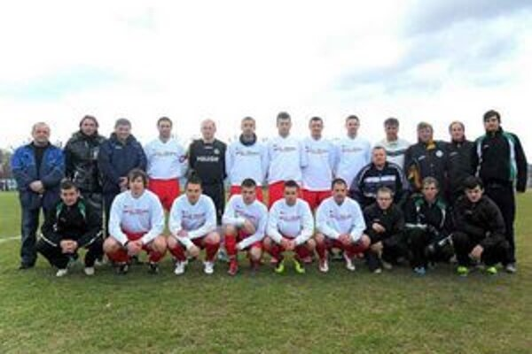 TJ FK Jasenov. Derby domáci zvládli, vyhrali.