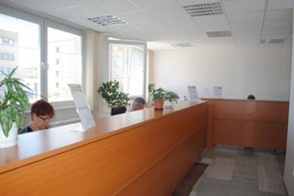 Klientske centrum. Rozšírené a zmodernizované slúži občanom.