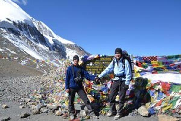 Petra a Dušan Spurovci. V sedle Thorung La vo výške 5 416 metrov.