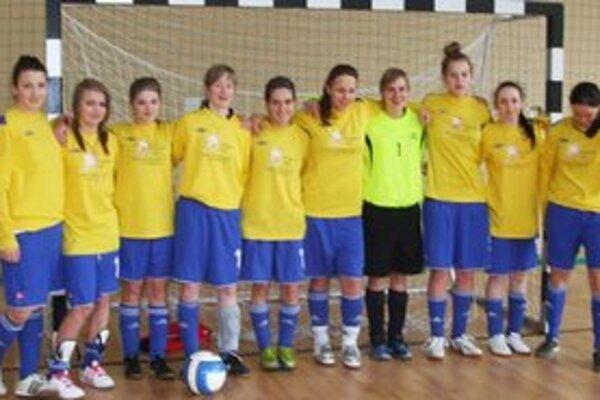 Humenčanky. Zľava: Balogová, Judičaková, Sivecová, Rosoľanková, Vargovčiková, Siváková, Bednarčiková, Palenčiková, Hajdučková a Kozmová.