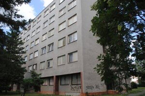 V bývalom internáte zriadili byty.