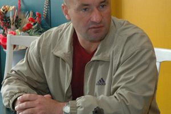 Jozef Škrlík. Za prekvapenie kola považuje prehru Podbrezovej.
