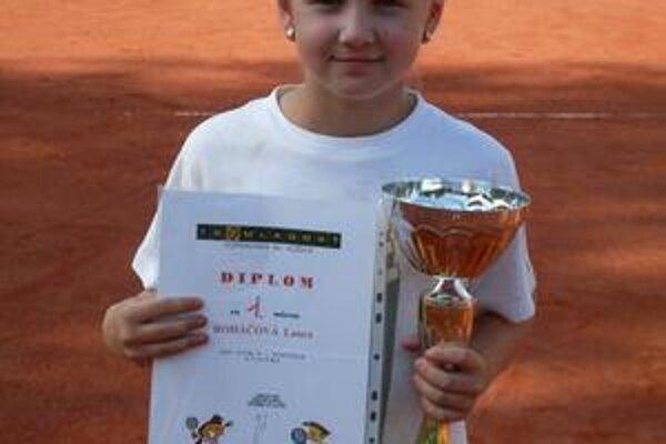 Laura Roháčová triumfovala v dvojhre dievčat.