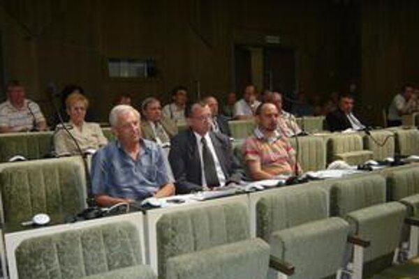 Humenskí poslanci: Od začiatku tohto roka rokovali osemkrát. Sedem z 24 poslancov na rokovaní nechýbalo ani raz.