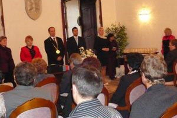 Slávnosť. Vo štvrtok v humenskom kaštieli ocenili darcov krvi a dobrovoľníkov ÚS SČK v Humennom.