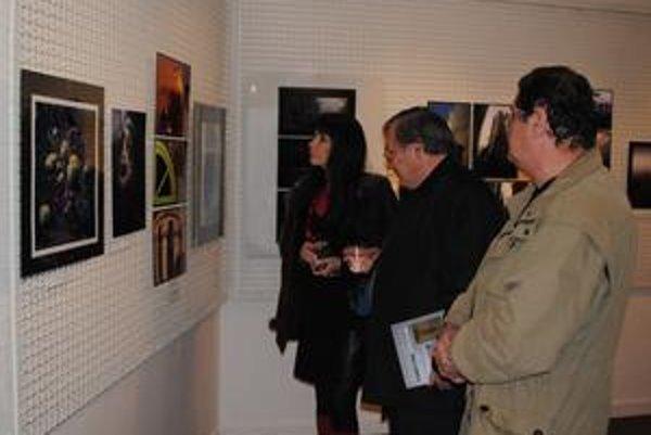 Najlepšie práce. Fotografie, ktoré najviac zaujali porotcov, sú vystavené vo Vihorlatskom osvetovom stredisku.
