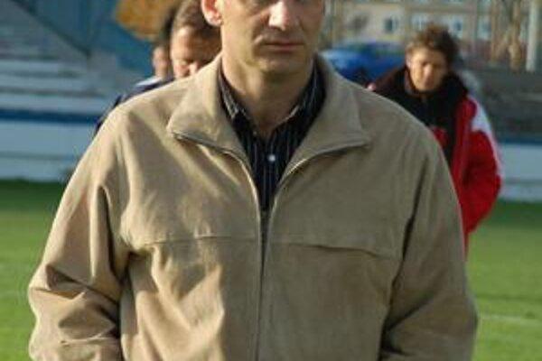 Jozef Valkučák. Jeho zverenci doma na lídra nestačili.