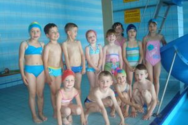 Malí plavci. Počas dvoch týždňov zvládli výcvik.