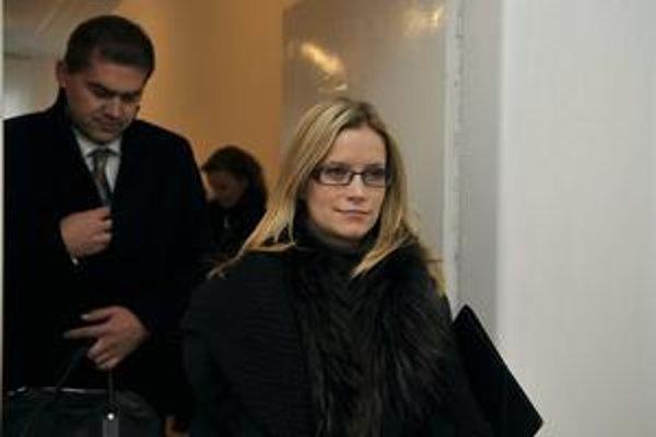 Advokátka Tiposu Alexandra Čižmáriková po  pojednávaní v spore s Lemikonom na Najvyššom súde.