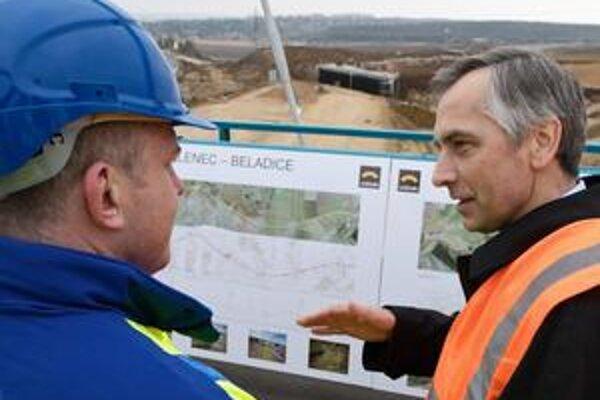 Firmy už nebudú len plniť objednávku diaľničnej spoločnosti, ale samy budú robiť aj časť  projektu.