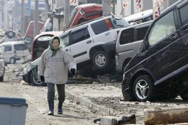 Zemetrasenie a cunami v Japonsku narušili aj výrobu v automobilovom priemysle.