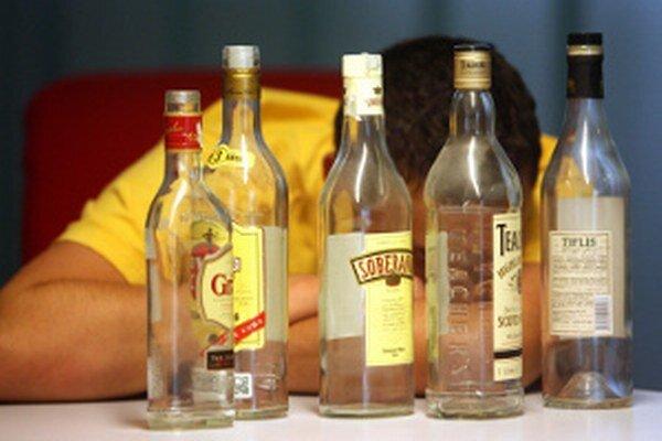 Niektorí pitie alkoholu nezvládajú.