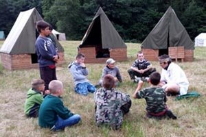 Skauti mali tábor rozložený pri Hornej Vsi.