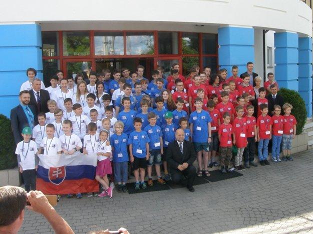 Najlepší malí programátori z troch krajín na finále Baltie 2016 vo Varšave.
