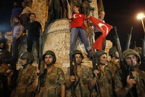 V Turecku prebehol pokus o štátny prevrat.