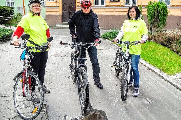 Tím dolnokubínskej radnice. Zľava: Danka Števonková, Vladimír Adamec, Monika Ďaďová.