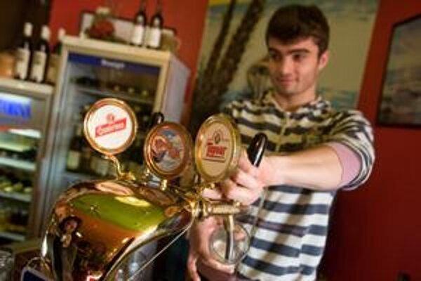 Ceny pivamôžuzvýšiť slabšia úroda a vyššie ceny jačmeňa.