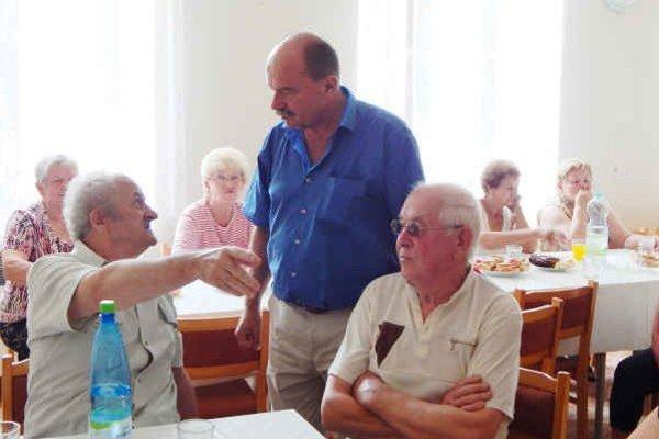 Denný stacionár. Mal asistovať pri starostlivosti o starších občanov.