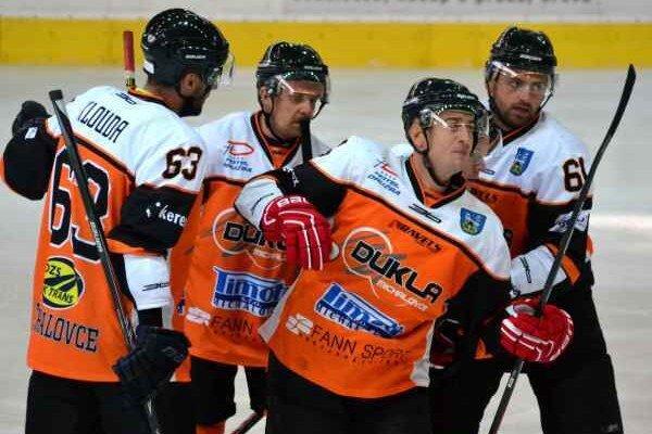 Michalovskí hokejisti. Dvakrát prehrali, uspejú v derby?