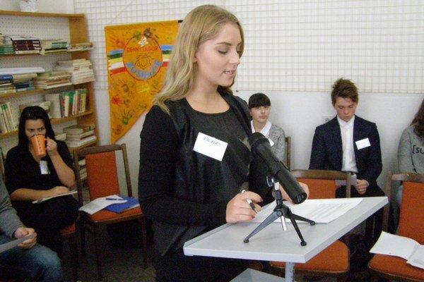 Mladí moderátori. Vyskúšali si prácu s mikrofónom.