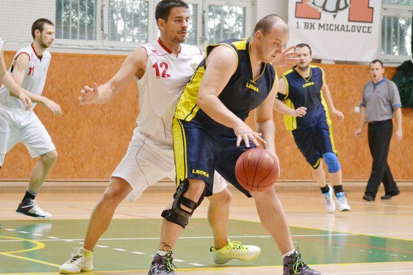 Poradili si s ďalším súperom. Michalovskí basketbalisti doma nezaváhali s Dolným Kubínom.