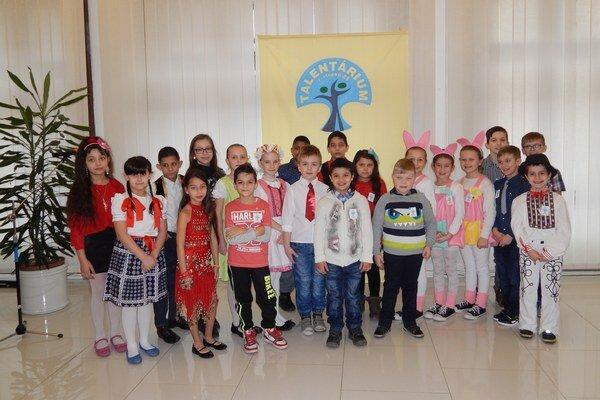 Malí školáci predviedli svoju šikovnosť. Do Talentária sa prihlásilo 22 detí.