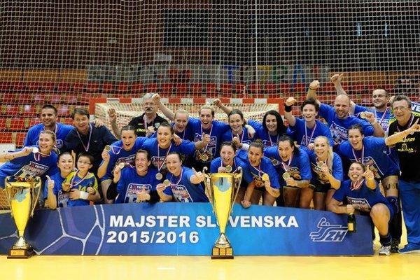 Hádzanárky michalovskej Iuventy získali ďalšie prvenstvo. Druhý rok za sebou sa tešia zo zisku tripple – vyhrali WHIL, Slovenský pohár aj titul.