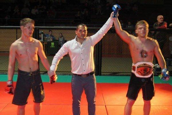 Ivan Sirko (v strede) ako rozhodca na ME.