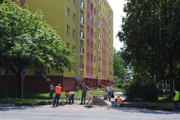 Sídlisko Juh. Samospráva plánuje na sídlisku tesne pred voľbami ďalšiu etapu rekonštrukcie za 700-tisíc eur.