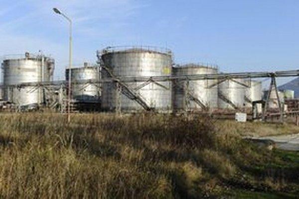 Nebezpečné látky sú uskladnené v areáli bývalého Chemka Strážske.